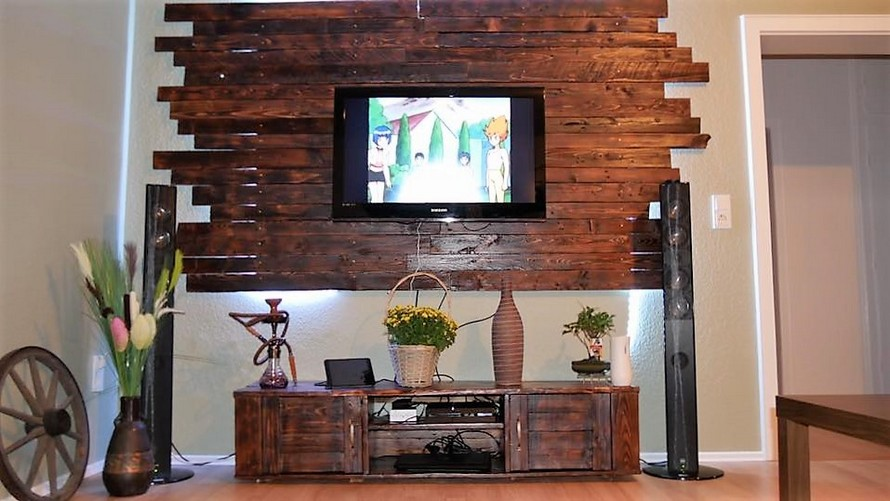 Pallet Media Cabinet with LCD Wall Decor