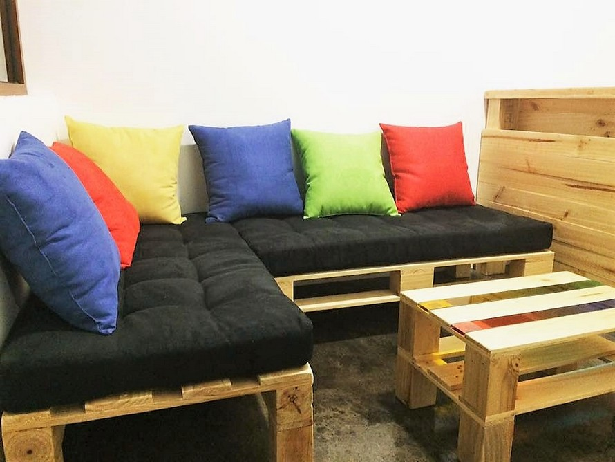recycled-pallet-wood-furniture