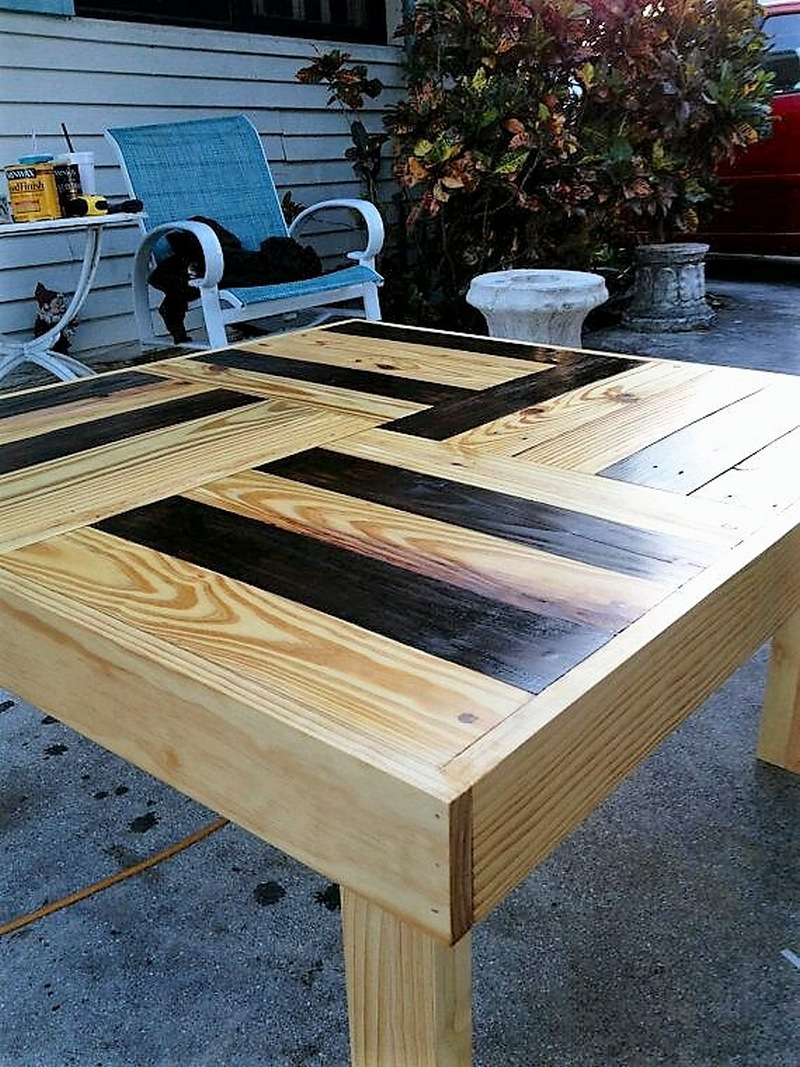 cute-pallet-made-tabl