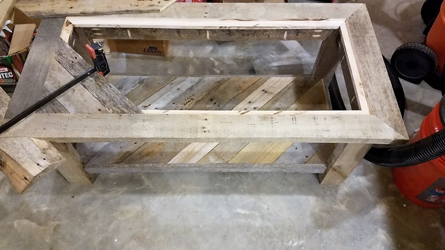 diy-pallet-table