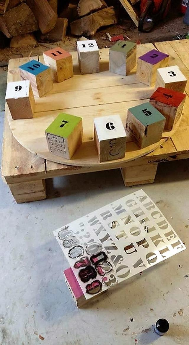 diy-pallets-wooden-clock