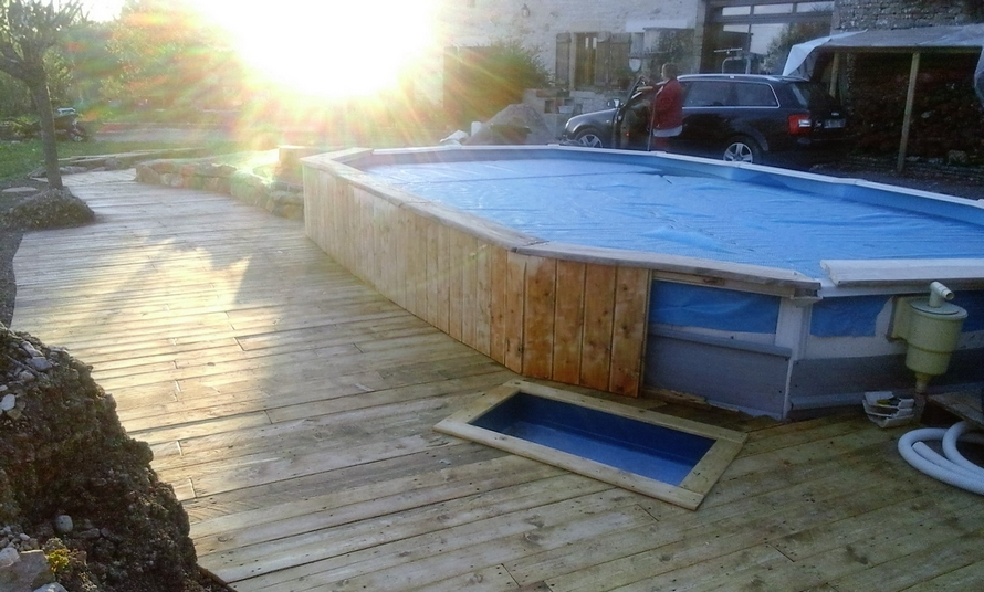 diy-recycled-pallet-pool