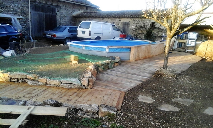 diy-wood-pallet-pool