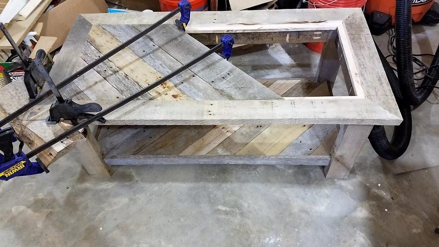 diy-wood-pallet-table