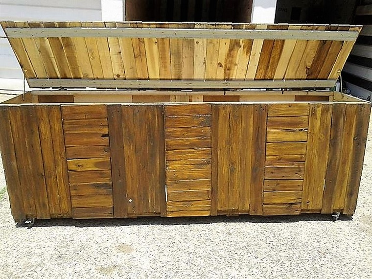 giant-pallet-made-chest