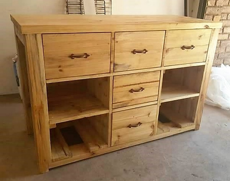 pallet-cabinet-of-drawers