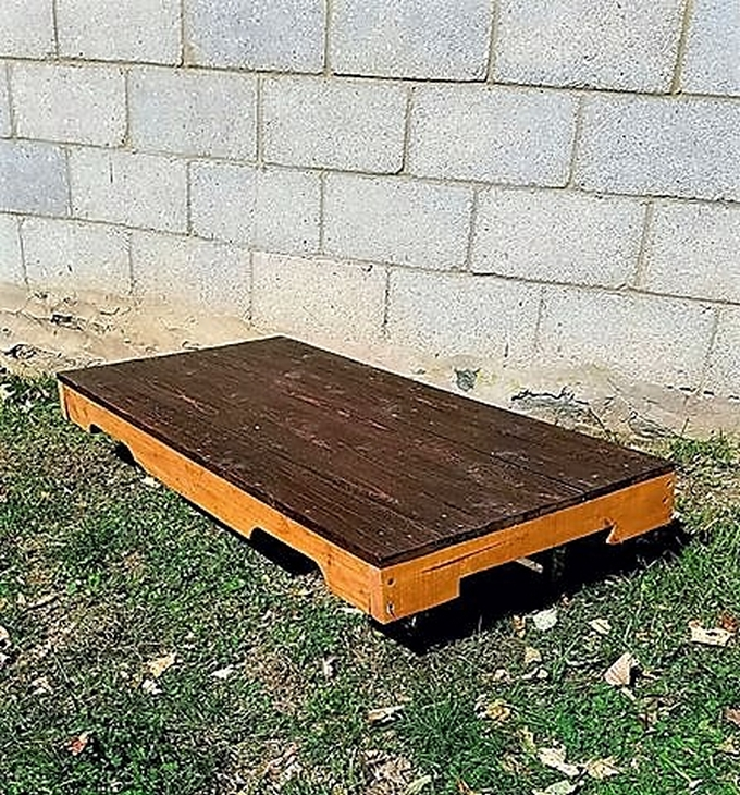 pallet-coffee-table-repurposed