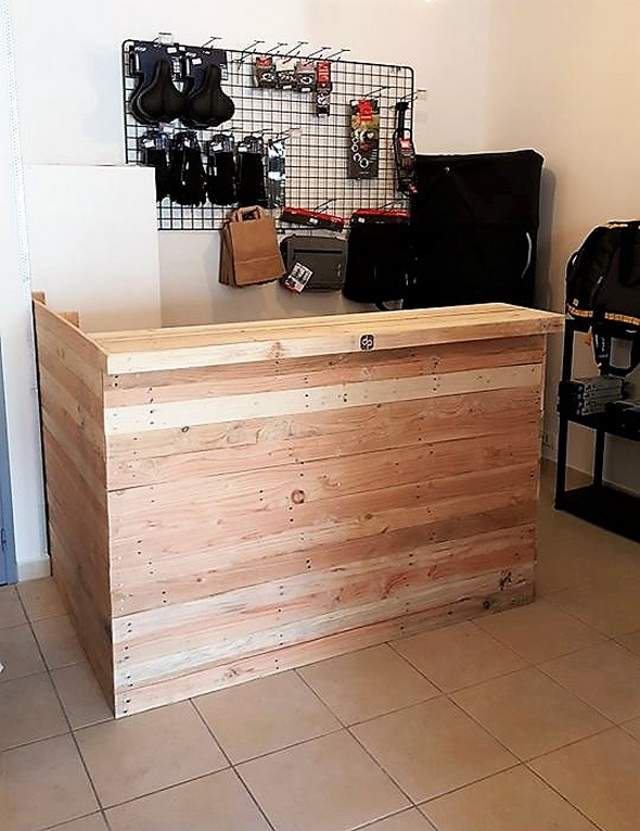 Wood Pallet Office Counter Table