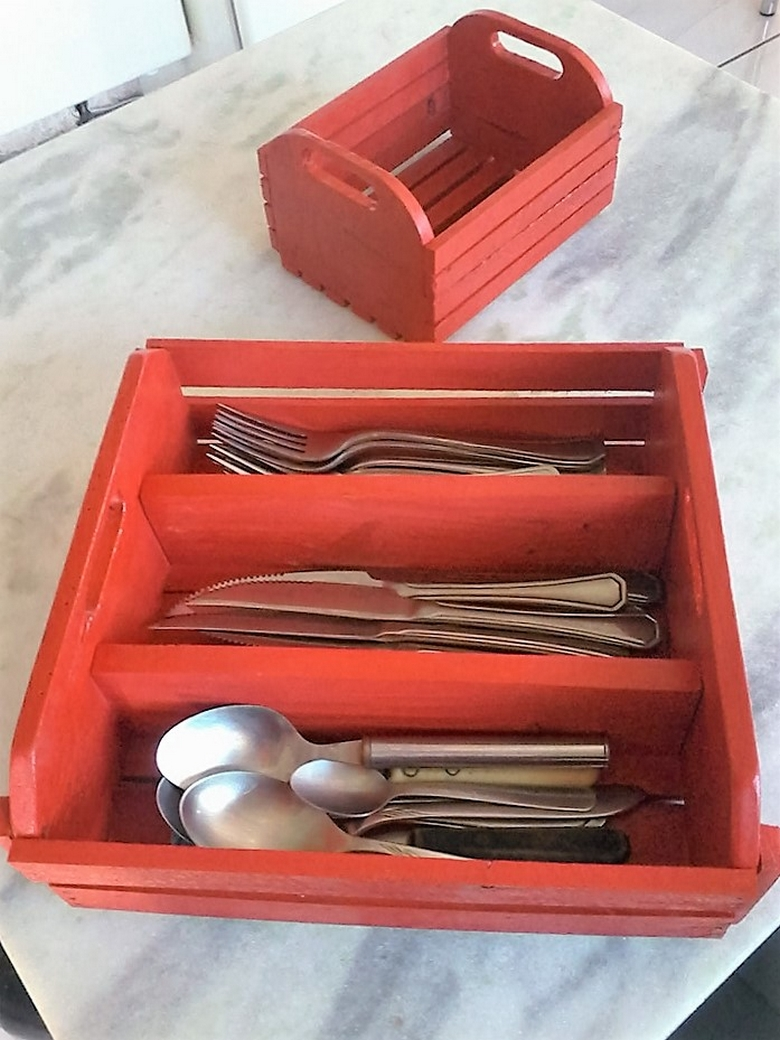 pallet-cutlery-box-for-kitchen