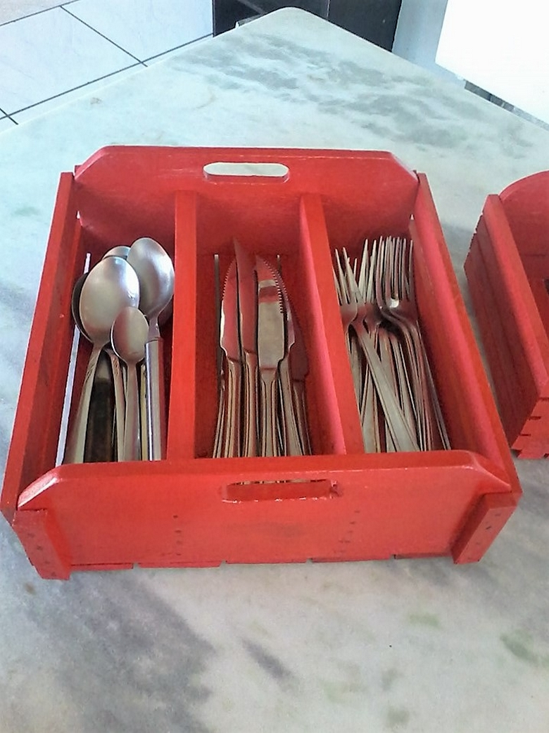 pallet-cutlery