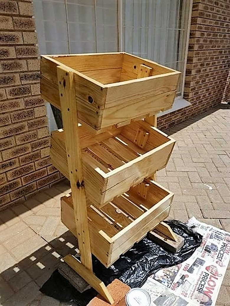 pallet-fruit-stand