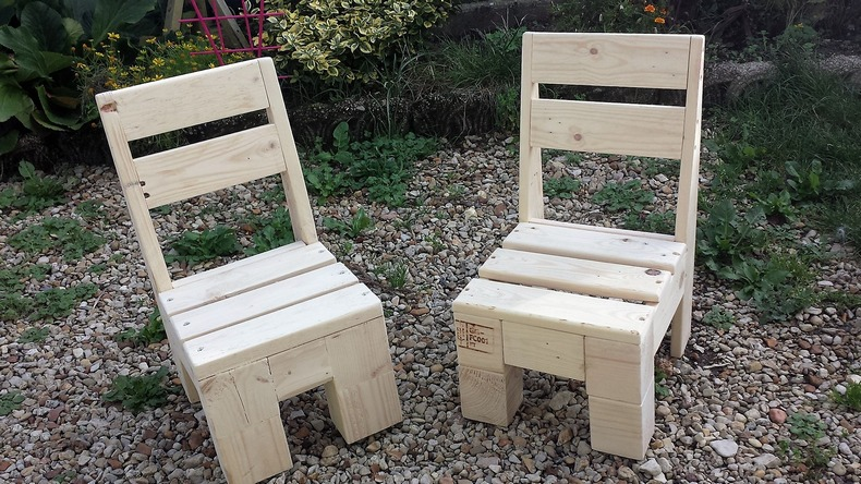 pallet-kids-chairs