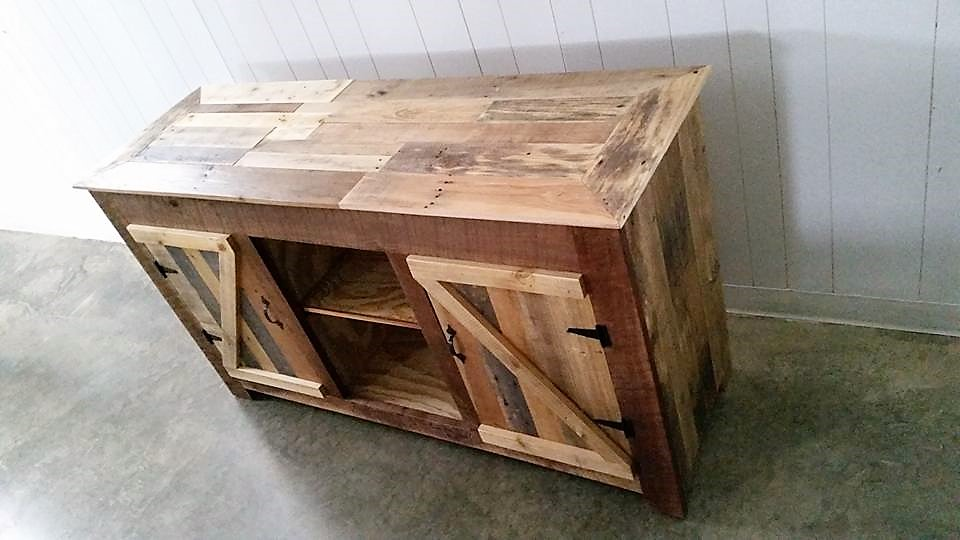 pallet-made-entertainment-center