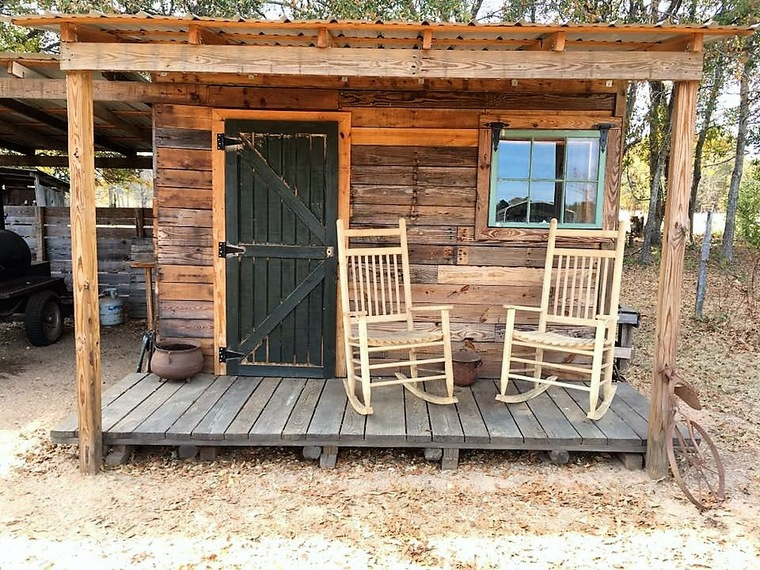 pallet-patio-hut