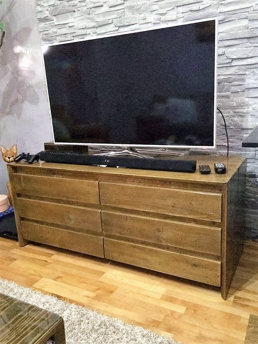 pallet-tv-cabinet