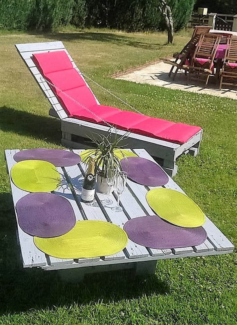 Outdoor Furniture Arrangement with Pallets