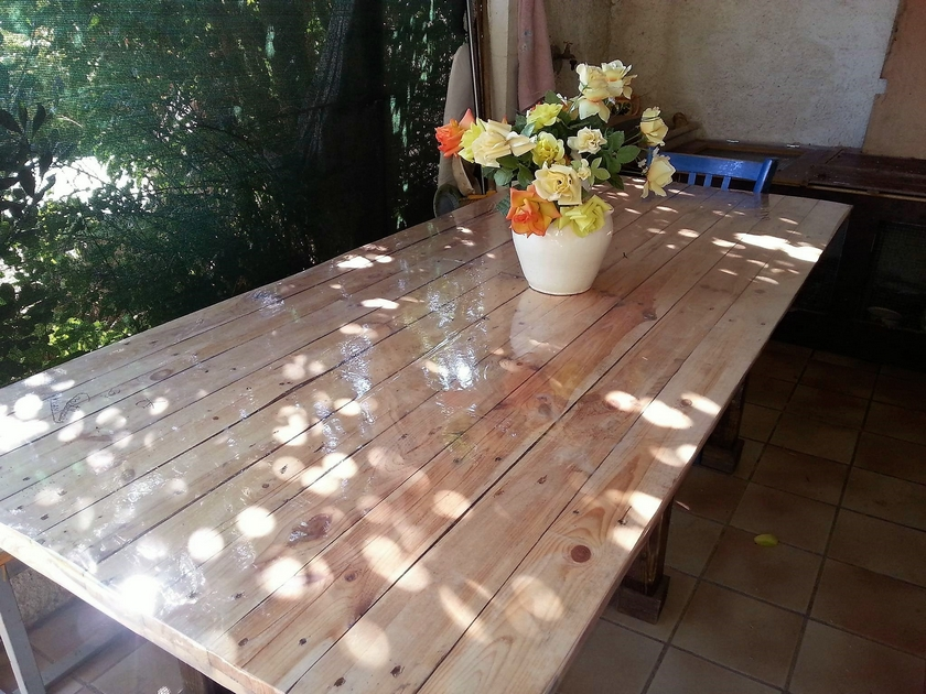 pallets-wood-table