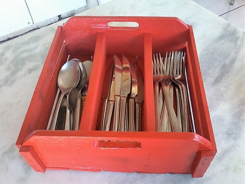 recycled-pallet-cutlery-box