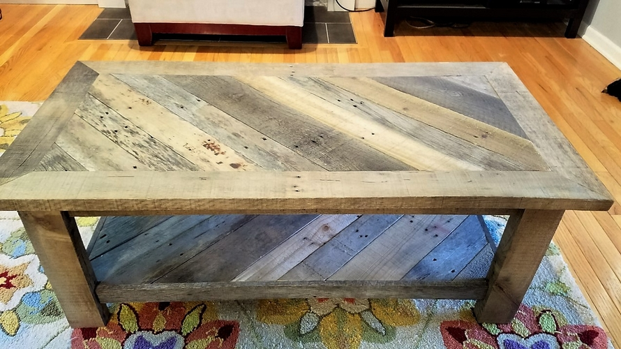 recycled-pallet-table