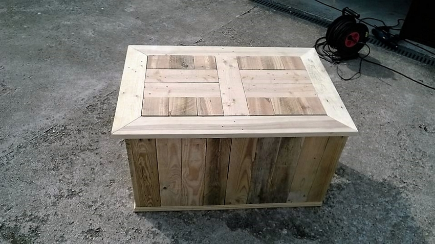 recycled-pallet-table-cum-chest