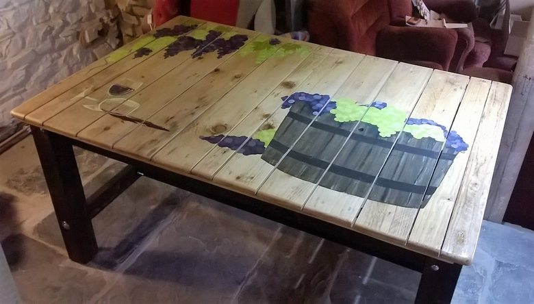 repurposed-pallet-table-1