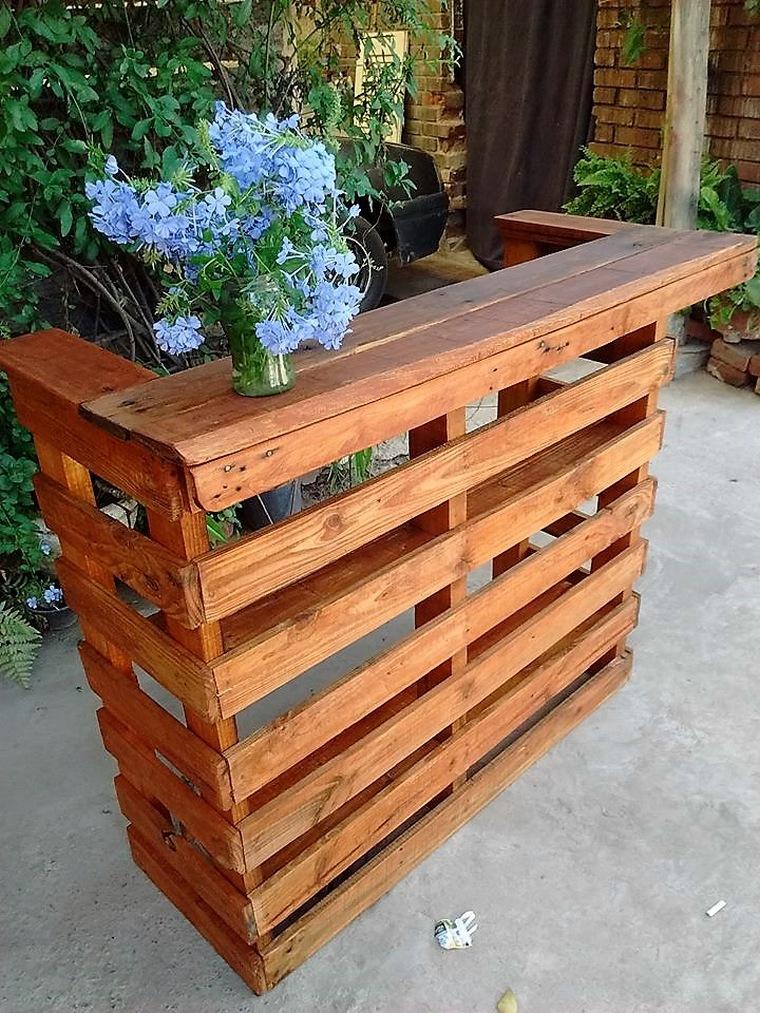 wood-pallet-bar
