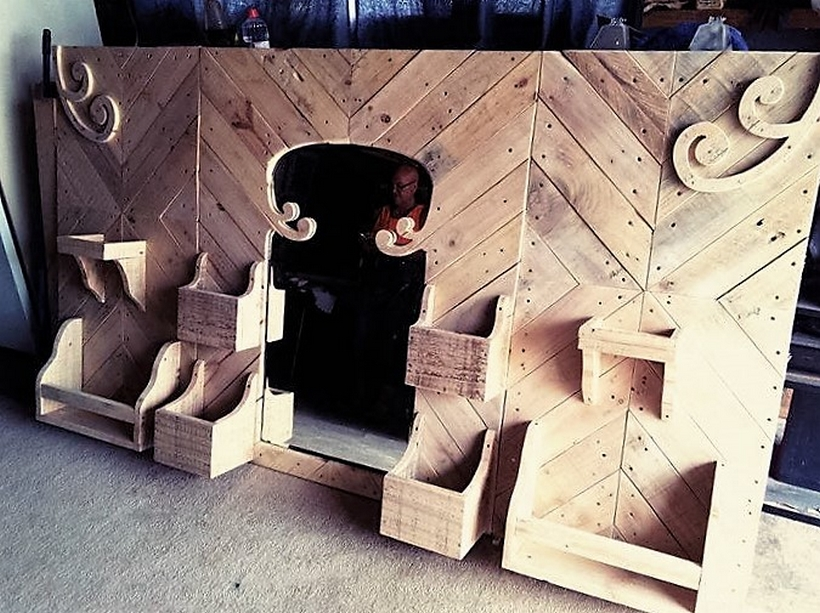 wood-pallet-bed-headboard