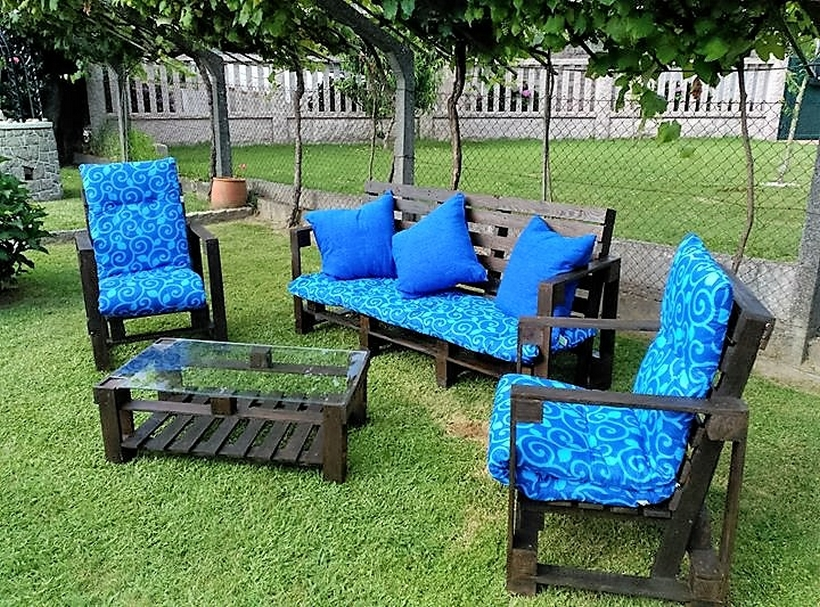 wood pallet garden furniture Enhance Your Home Look with Recycled