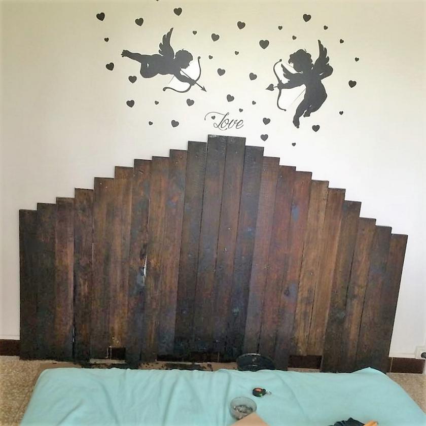 wood-pallet-headboard