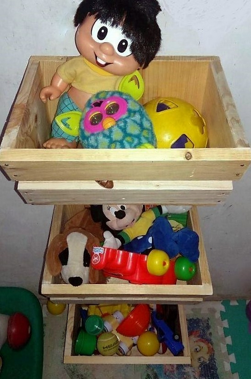 wood-pallet-kids-toys-storage