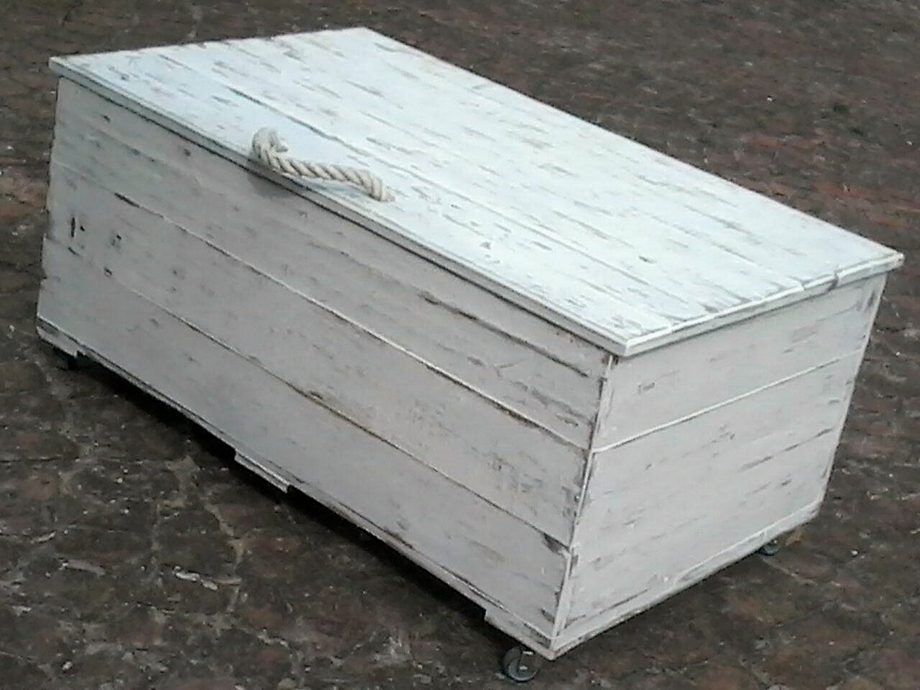 Rustic White Wash Pallet Wood Kist