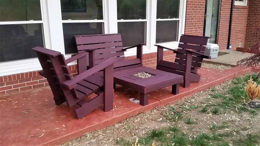 wood-pallet-outdoor-furniture