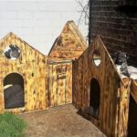 Repurposed Pallet Made Dog House