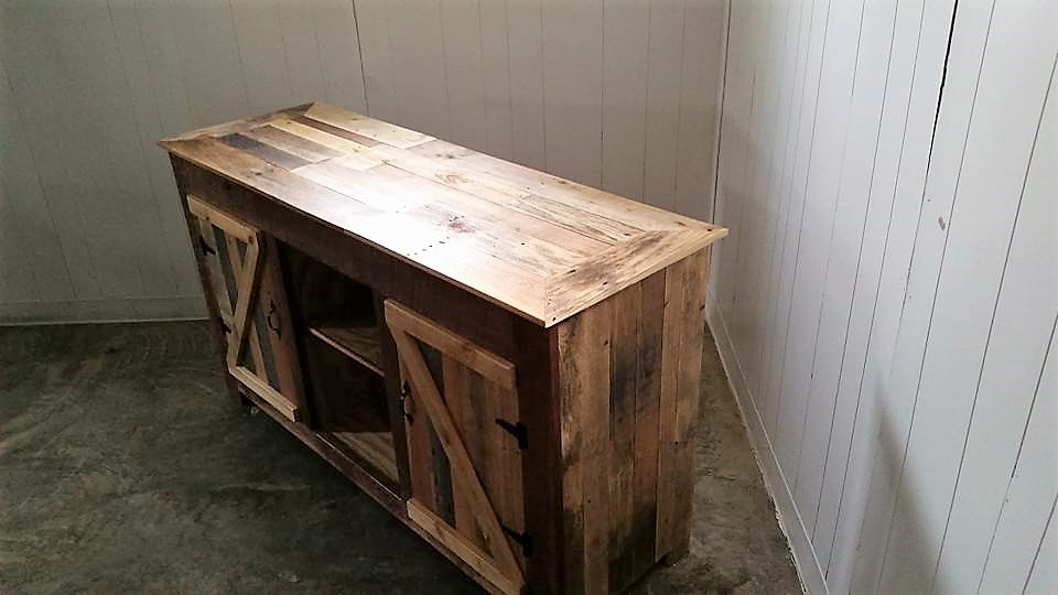 wooden-pallet-entertainment-center
