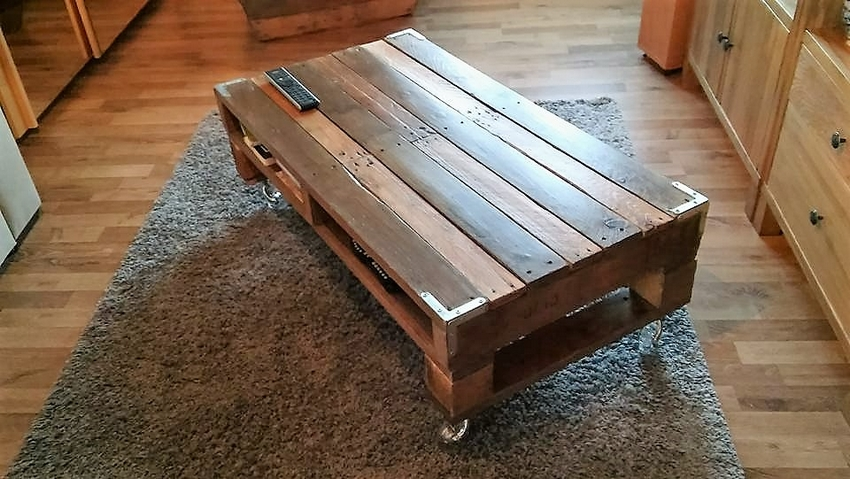 wood-pallet-planter-decor