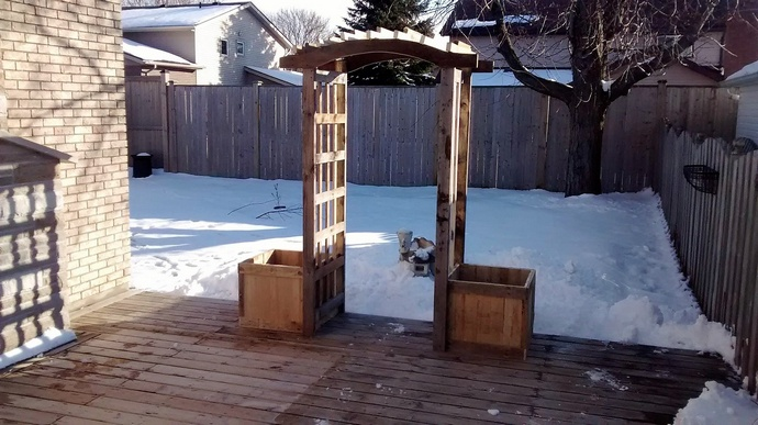 trellis-made-with-pallets-wood