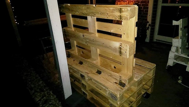 diy-strandkorb-chair-with-pallets