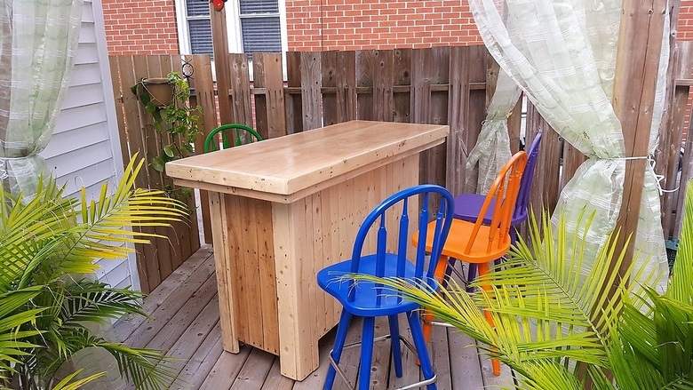 Awesome Uses of Recycled Shipping Pallets