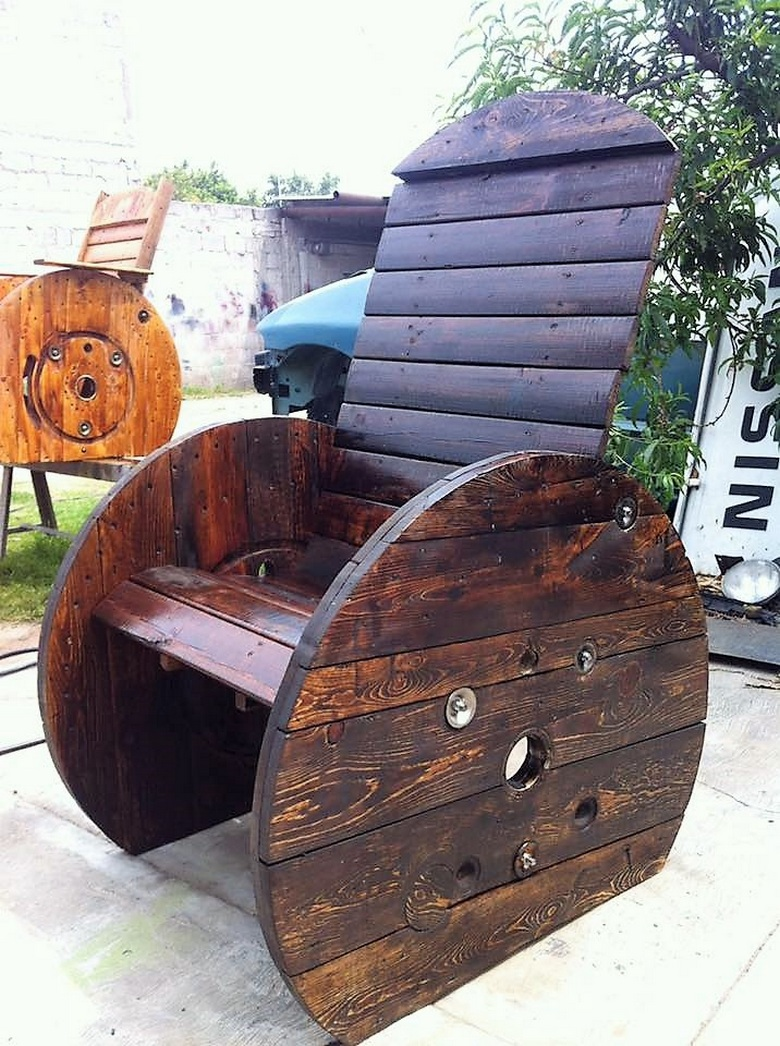 pallet-cable-reel-furniture