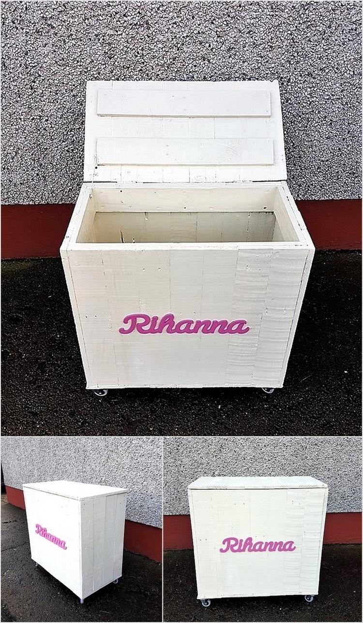 pallet-made-childs-toybox
