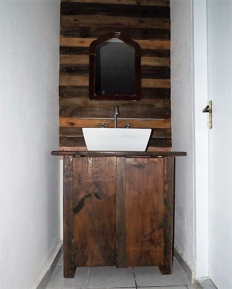 pallet-powered-sink