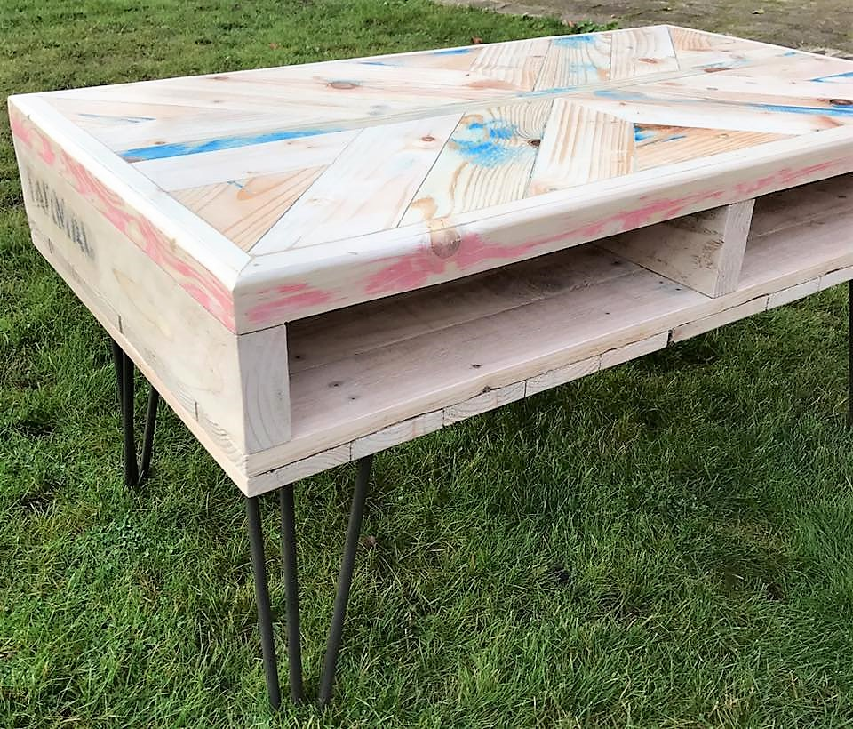 pallet-table-with-storage-option