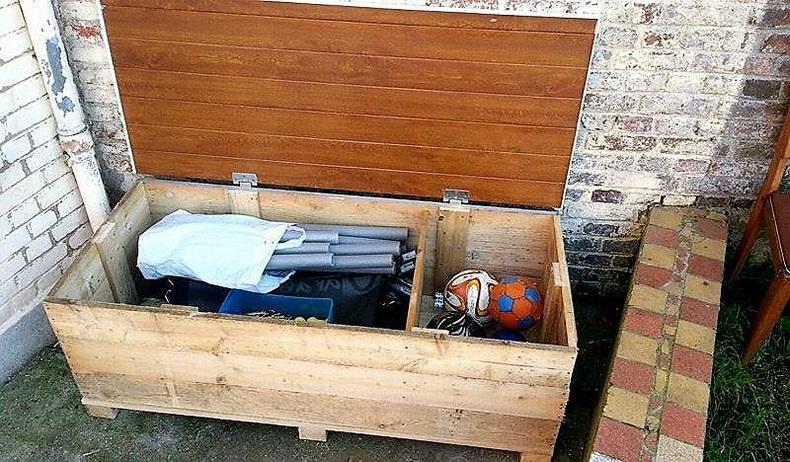 pallet-tools-storage-box