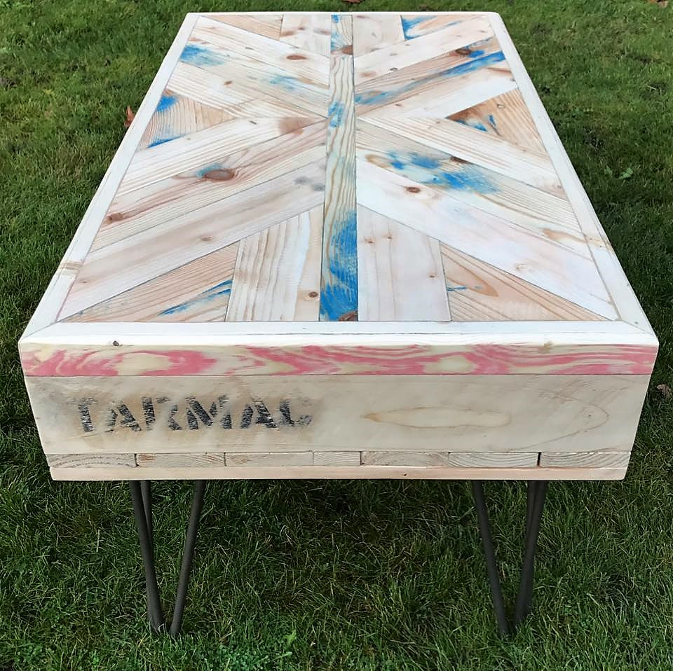 pallet-upcycled-table
