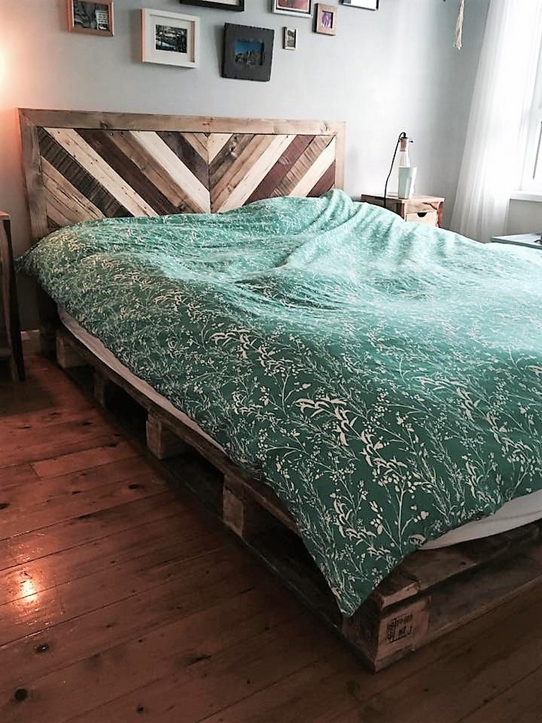 pallet-wooden-bed