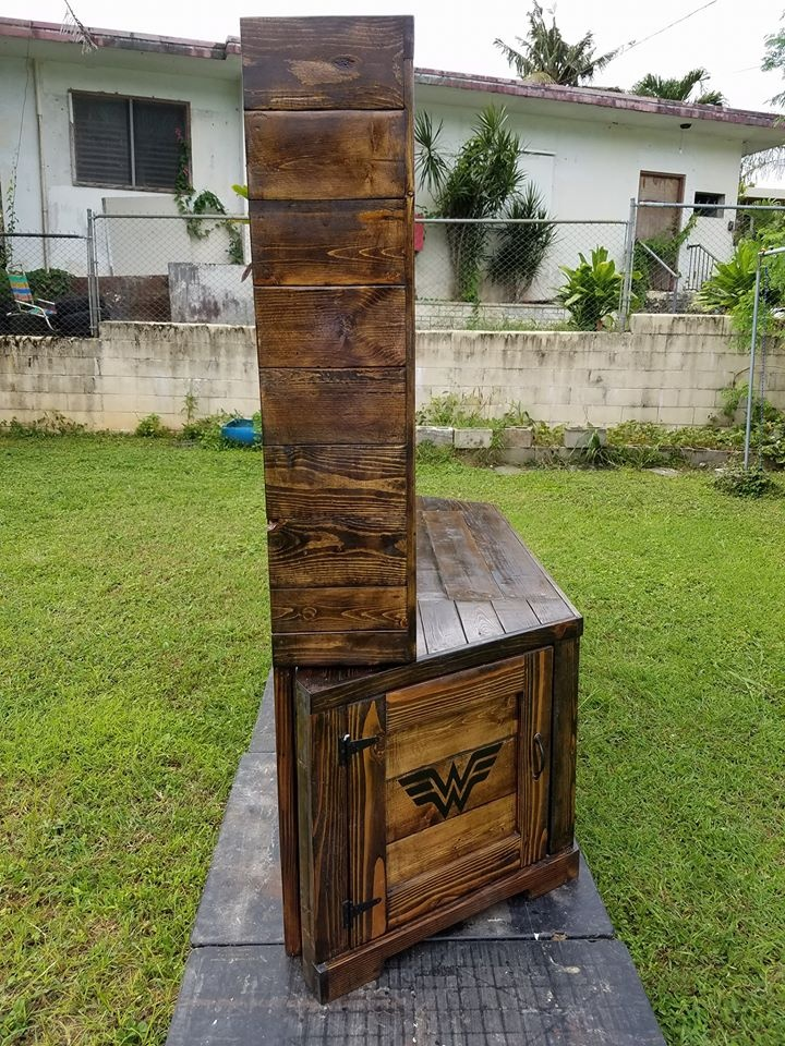 reclaimed-pallet-entertainment-center