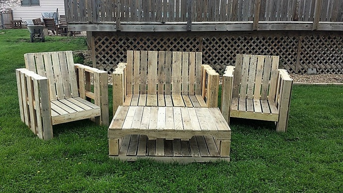 repurposed-pallet-garden-furniture