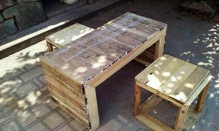 reused-pallets-furniture