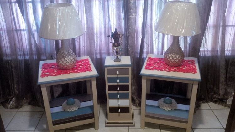 wood-pallet-decorated-side-tables