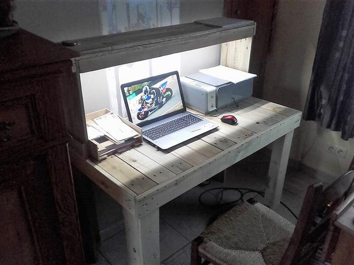 wood-pallet-system-desk